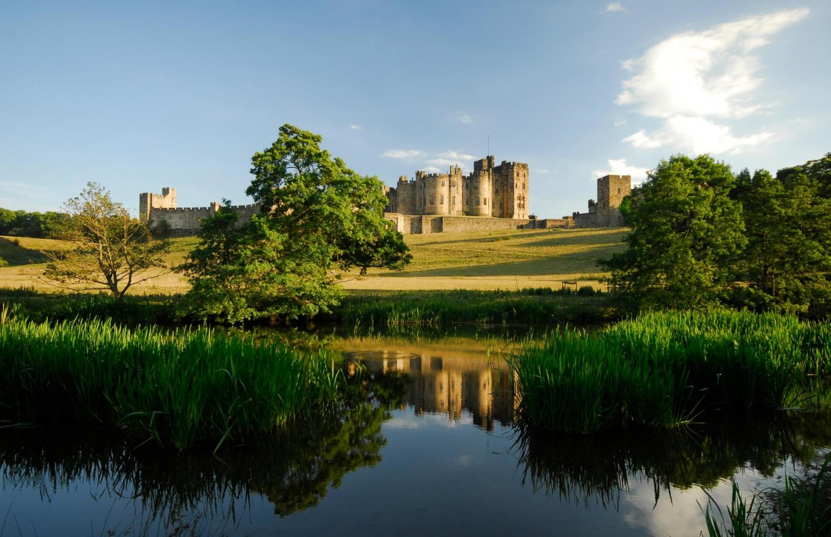 Area Guides for Northumberland - Alnwick (1)